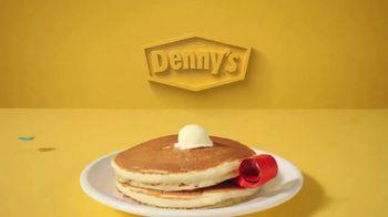 Denny's TV Spot, 'Celebremos 2021: Pancakes gratis' [Spanish] - Thumbnail 2