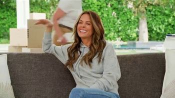 SKECHERS Arch Fit TV Spot, 'Moving Day' Featuring Brooke Burke