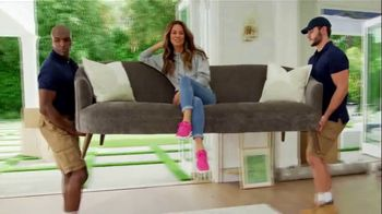 SKECHERS Arch Fit TV Spot, 'Moving Day' Featuring Brooke Burke - Thumbnail 3