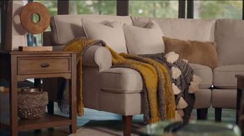 Havertys TV Spot, 'Redesign Resolutions: $100 Off Every $1,000 Spent' - Thumbnail 3