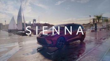 2021 Toyota Sienna TV Spot, 'Team Outing' [T1] - Thumbnail 10