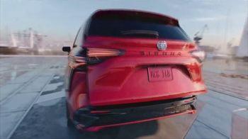 2021 Toyota Sienna TV Spot, 'Team Outing' [T1] - Thumbnail 7