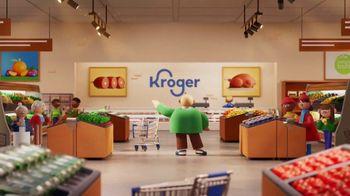 The Kroger Company TV Spot, 'Low: mezcla de ensalada y naranjas' [Spanish] - Thumbnail 2