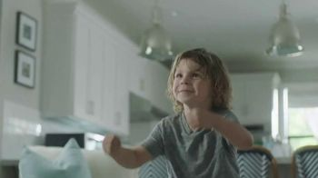 Tub O'Towels Heavy Duty Cleaning Wipes TV Spot, 'Home Cleaning Routine' - Thumbnail 1