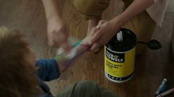 Tub O'Towels Heavy Duty Cleaning Wipes TV Spot, 'Home Cleaning Routine' - Thumbnail 4