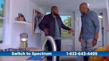 Spectrum TV Spot, 'Cramped: Internet + TV' - 22 commercial airings