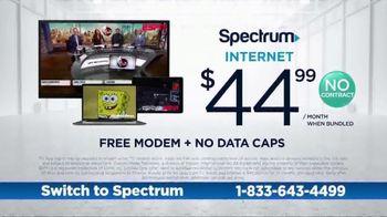 Spectrum TV Spot, 'Cramped: Internet + TV' - Thumbnail 4