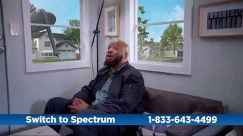 Spectrum TV Spot, 'Cramped: Internet + TV' - Thumbnail 6