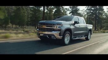 2021 Chevrolet Silverado TV Spot, 'New Year's: Just Better: Home Sweet Home' [T2] - Thumbnail 4
