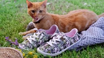 Bobs From SKECHERS TV Spot, 'PETCO Foundation: Over One Million Saved' - Thumbnail 2
