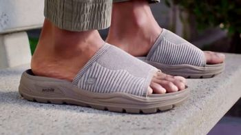 SKECHERS Arch Fit TV Spot, 'Start Your Day'