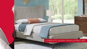 Rooms to Go 30th Anniversary Sale TV Spot, 'Upholstered Bed Sets' - Thumbnail 4