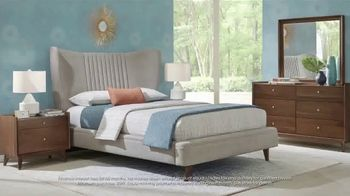 Rooms to Go 30th Anniversary Sale TV Spot, 'Upholstered Bed Sets' - Thumbnail 6