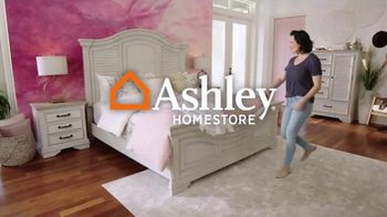 Ashley HomeStore Ultimate Event TV Spot, 'Dining Table and Special Financing' - Thumbnail 1