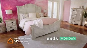 Ashley HomeStore Ultimate Event TV Spot, 'Dining Table and Special Financing' - Thumbnail 7