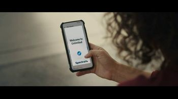 Spectrum Mobile TV Spot, 'Smart Technology Could Be Smarter' - Thumbnail 10
