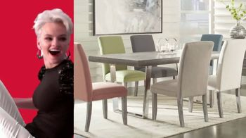 Rooms to Go 30th Anniversary Sale TV Spot, 'Cindy Crawford Home Five-Piece Dining Set' Song by Junior Senior - Thumbnail 3