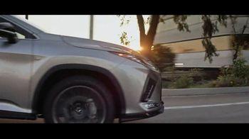 Invitation to Lexus Sales Event TV Spot, 'Una cálida bienvenida' [Spanish] [T1] - Thumbnail 7