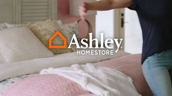 Ashley HomeStore The Ultimate Event TV Spot, 'Colchones: 0% intereses' [Spanish] - Thumbnail 1