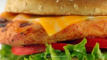 Chick-fil-A Grilled Spicy Deluxe TV Spot, 'Las pequeñas cosas: Juliana'  [Spanish] - Thumbnail 2