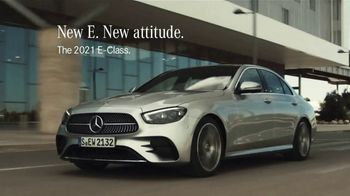 2021 Mercedes-Benz E-Class TV Spot, 'New Attitude' Song by The Struts [T2] - Thumbnail 7