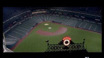 Bank of America TV Spot, 'Coming Home: Post-Season' Song by Willie Nelson - Thumbnail 6