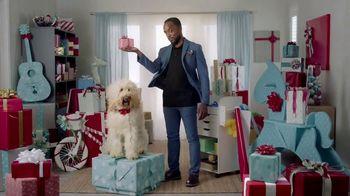 Amazon TV Spot, 'Gasta menos, sonríe más: Wade' canción de Snap! [Spanish] - Thumbnail 5