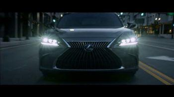 Lexus ES TV Spot, 'Why Bother' [T2] - Thumbnail 4
