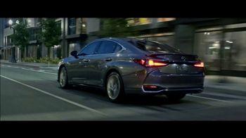Lexus ES TV Spot, 'Why Bother' [T2] - Thumbnail 5
