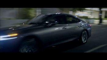 Lexus ES TV Spot, 'Why Bother' [T2] - Thumbnail 7