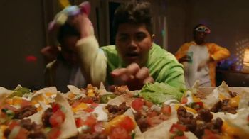 Taco Bell Nachos Party Pack TV Spot, 'Delivery: Spend and Add More' - Thumbnail 3