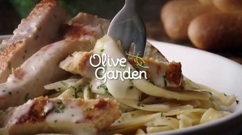 Olive Garden TV Spot, 'A Couple Taps Away'