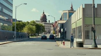 Bud Light TV Spot, 'Cardboard Fan' - Thumbnail 6