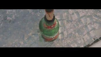 Dos Equis TV Spot, 'Seis-Foot Cooler' Featuring Maria Taylor, Chris Fowler - Thumbnail 2