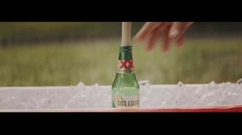 Dos Equis TV Spot, 'Seis-Foot Cooler' Featuring Maria Taylor, Chris Fowler - Thumbnail 6