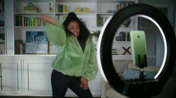 Cricket Wireless TV Spot, 'Mom Dancing to K-Pop' - Thumbnail 2