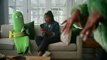 Cricket Wireless TV Spot, 'Mom Dancing to K-Pop' - Thumbnail 4