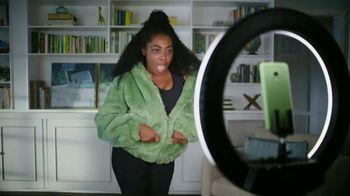 Cricket Wireless TV Spot, 'Mom Dancing to K-Pop' - Thumbnail 8