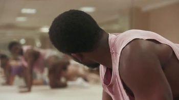 Intuit TurboTax Free Edition TV Spot, 'Dance Workout' - Thumbnail 2