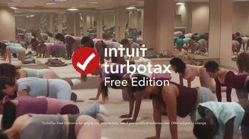 Intuit TurboTax Free Edition TV Spot, 'Dance Workout' - Thumbnail 9