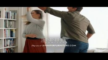 Jennifer Furniture Biggest Presidents Day Event TV Spot, 'Free Items With Select Rooms: $1999.99' - Thumbnail 9