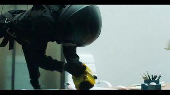 Butterfinger Minis TV Spot, 'BFI: Office Heist' - Thumbnail 7