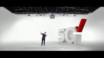 Verizon TV Spot, 'Ridiculously Fast: Samsung Galaxy S21+ 5G: Switch' - Thumbnail 5