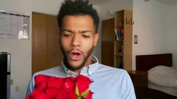 1-800-FLOWERS.COM TV Spot, 'Valentine's Day Gift' - Thumbnail 5