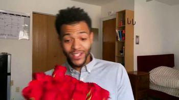 1-800-FLOWERS.COM TV Spot, 'Valentine's Day Gift' - Thumbnail 6