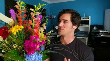 1-800-FLOWERS.COM TV Spot, 'Valentine's Day Gift'