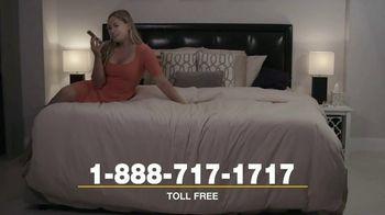 Quest Chat TV Spot, 'Swipe Left, Swipe Right' - Thumbnail 4
