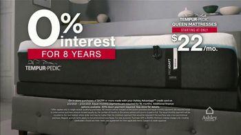 Ashley HomeStore Presidents Day Mattress Marathon TV Spot, 'No Interest, $300 Ashley Cash' - Thumbnail 5