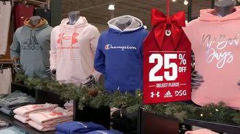 Dick's Sporting Goods TV Spot, 'Holidays: Fleece, Hydro Flasks, Yeti, Golf Balls and Gift Cards' - Thumbnail 4