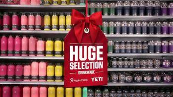 Dick's Sporting Goods TV Spot, 'Holidays: Fleece, Hydro Flasks, Yeti, Golf Balls and Gift Cards' - Thumbnail 5